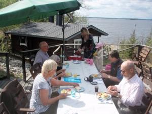 Sukuseuran hallituksen kokous JP_kalakeitaalla v. 2010